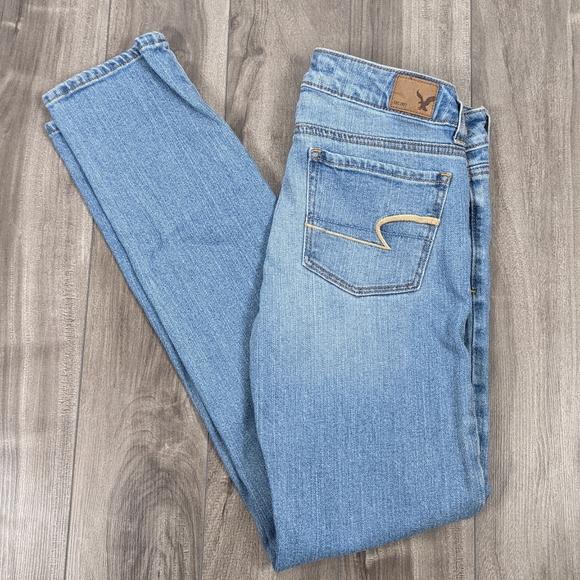 American Eagle Skinny Jeans Size 2 Light Blue
